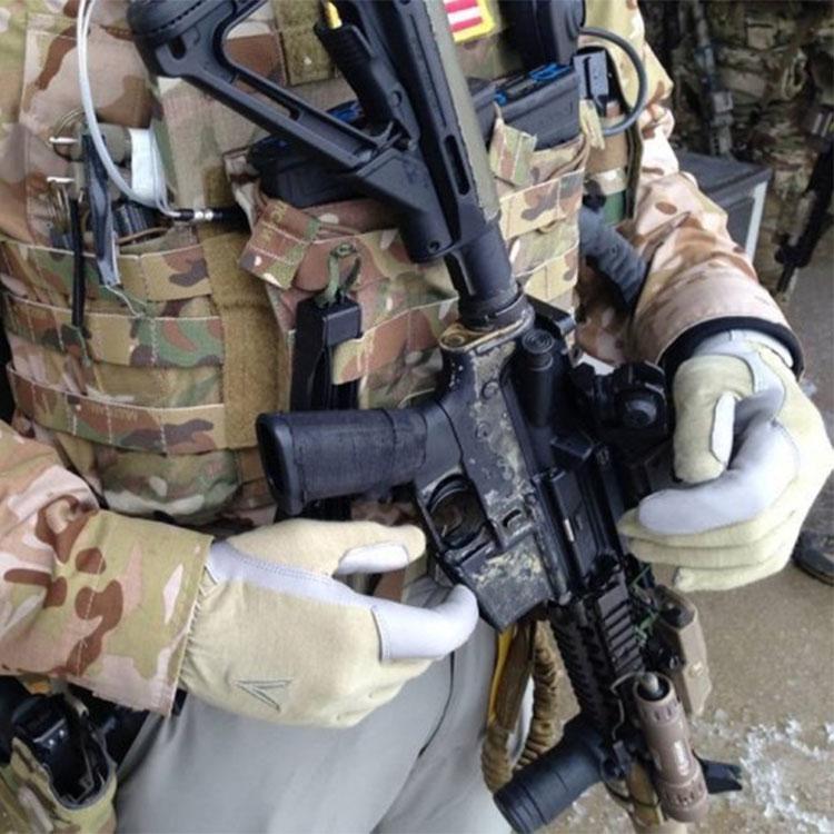 Trigger gloves in situ